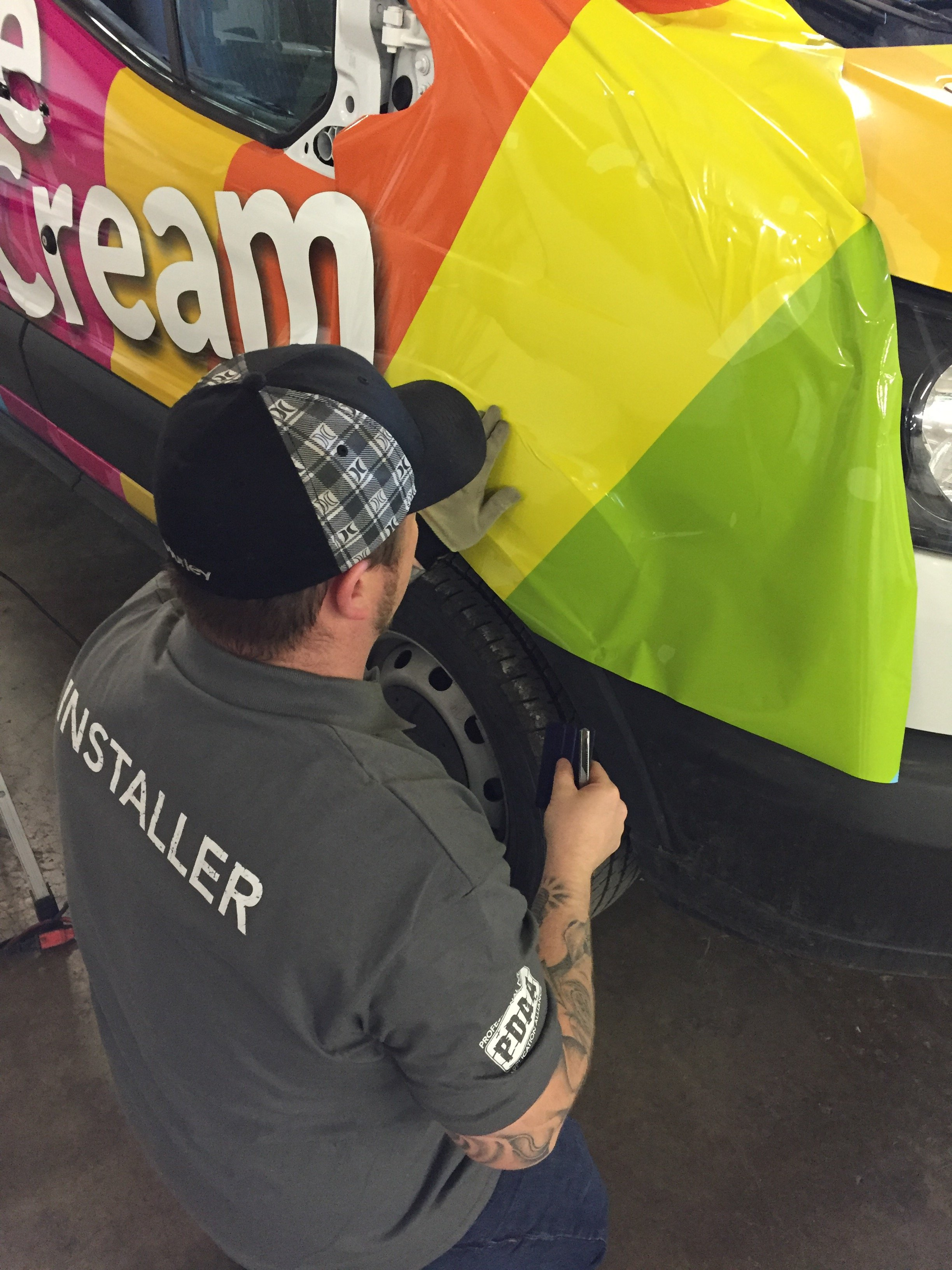 VMS vehicle wrap installer
